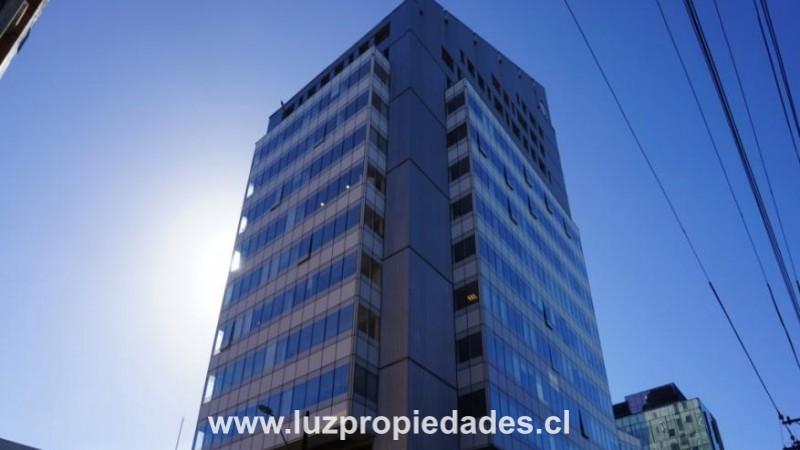 Quillota N°175, Ed. CCHC, Of. 714 - Luz Propiedades