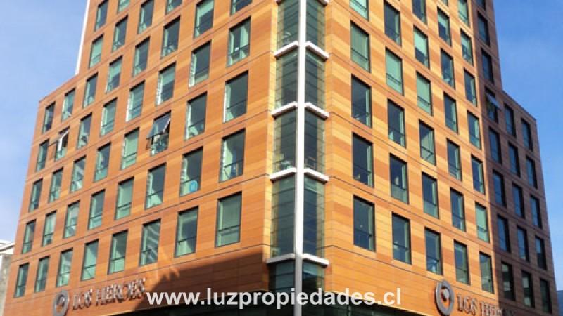 Urmeneta Nº305, Of. 711, Edificio Los Héroes - Luz Propiedades