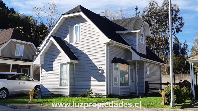 Vc. Choshuenco Nº5.111, casa Nº82, Condominio Altos del Bosque - Luz Propiedades